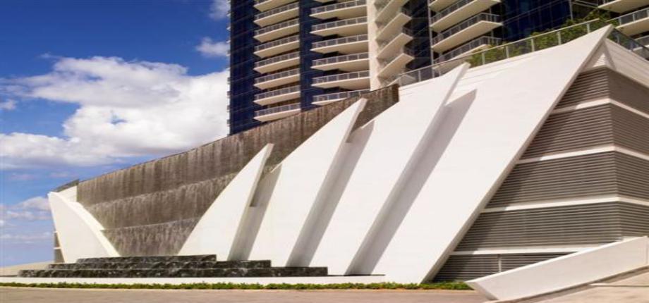 Квартира в США по адресу 17121 Sunny Isles Beach, FL 33160