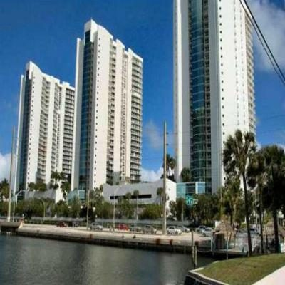 Квартира Oceania I в жилом комплексе Флориды (США)