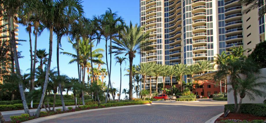 Квартира в США по адресу 17555 Collins ave, Sunny Isles Beach, FL 33160