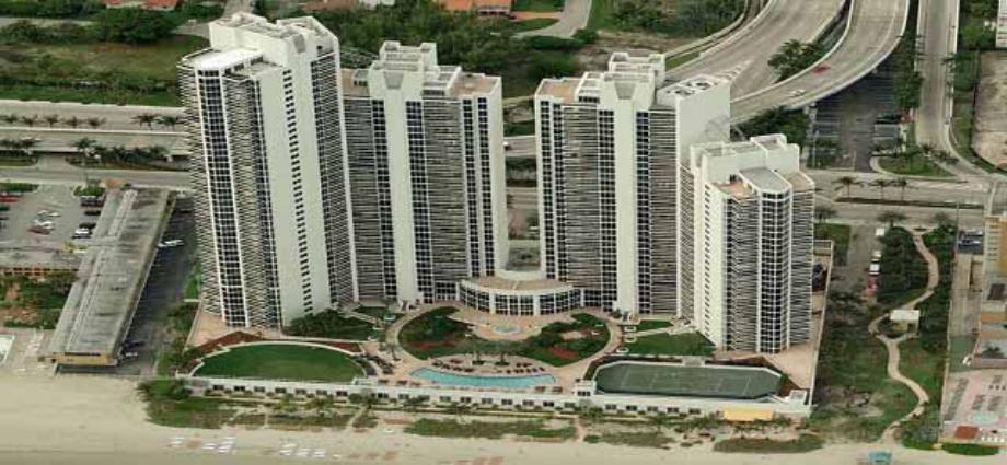 Квартира в США по адресу 19111 Collins Ave, Sunny Isles Beach, FL 33160