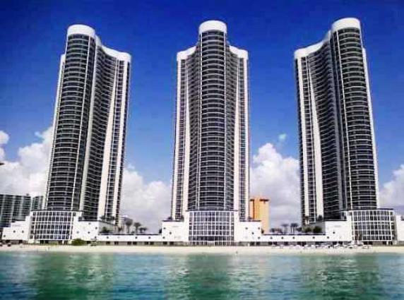 Квартира в США по адресу 15901 Sunny Isles Beach, FL 33160