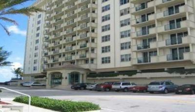 Квартира Сarlisle on the Ocean в жилом комплексе Флориды (США)
