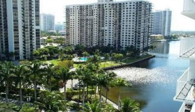 Квартира Admirals Port в жилом комплексе Флориды (США)