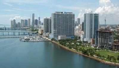 Квартира 1800 Club в жилом комплексе Флориды (США)