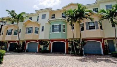 Квартира Bermuda Isles at Santa Barbara Townhome в жилом комплексе Флориды (США)