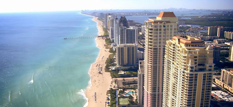 Квартиры в новостройке США по адресу 7749 Collins Ave, Sunny Isles Beach, FL 33160